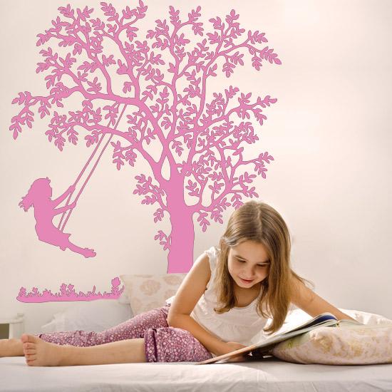 szablon do malowania ścian dziewczynka na huśtawce