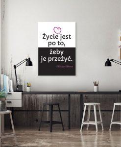 plakat z napisem