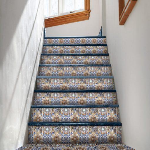 piękne naklejki portugalskie na schody