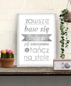 plakat srebrny z napisem po polsku