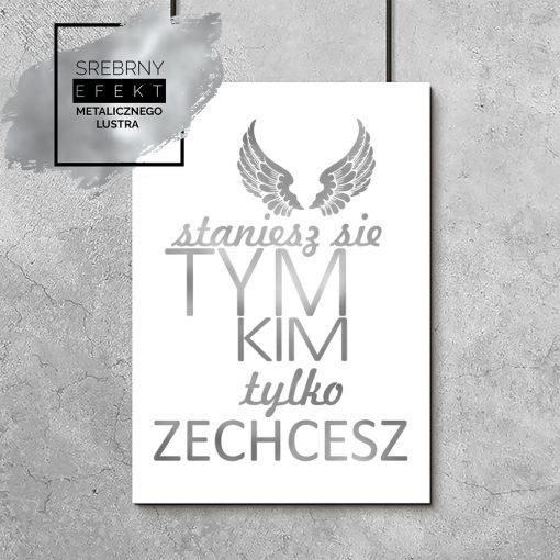srebrny plakat z napisem