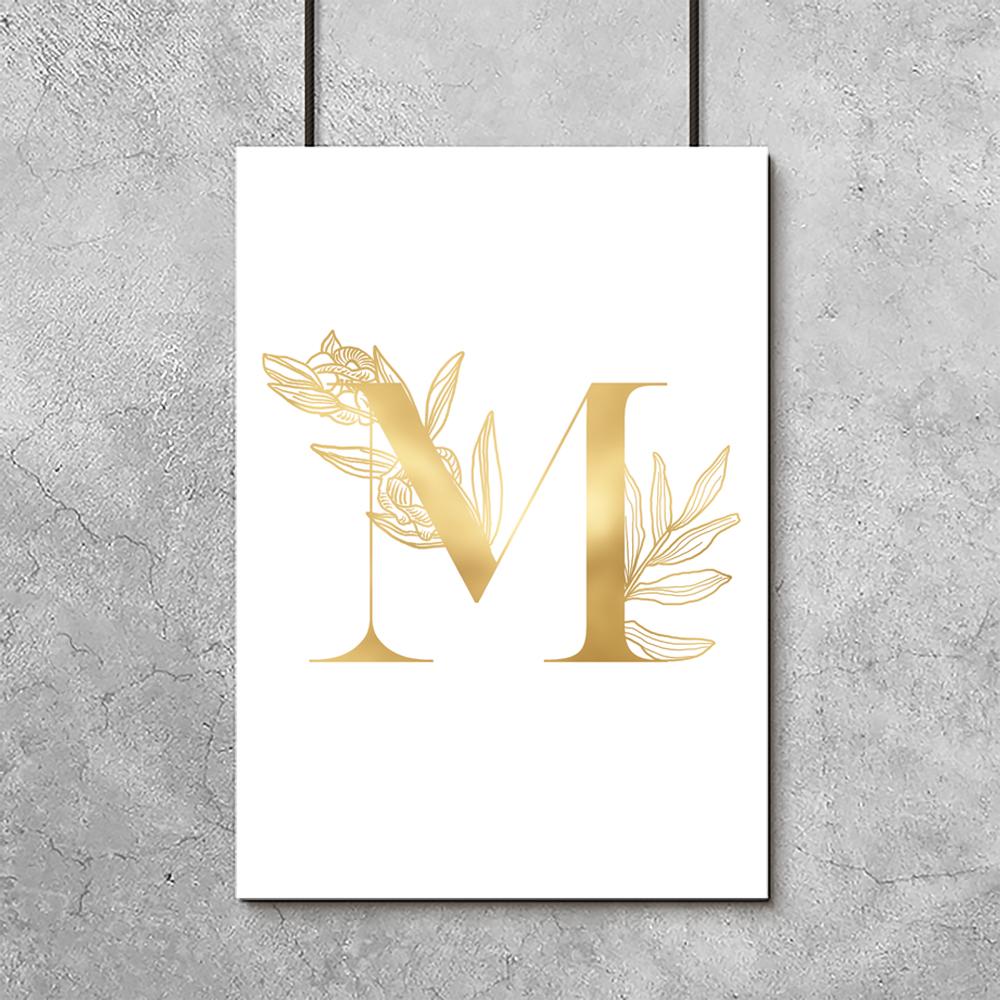 Złota Litera M Na Plakacie Metalicznym