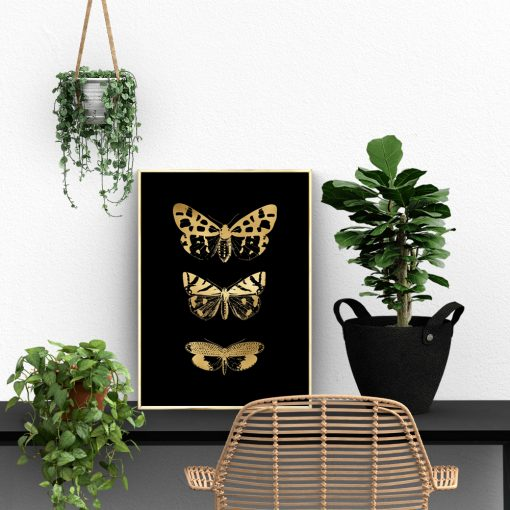salon z motywem złotego plakatu