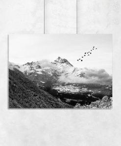Plakat szary z widokiem na górę
