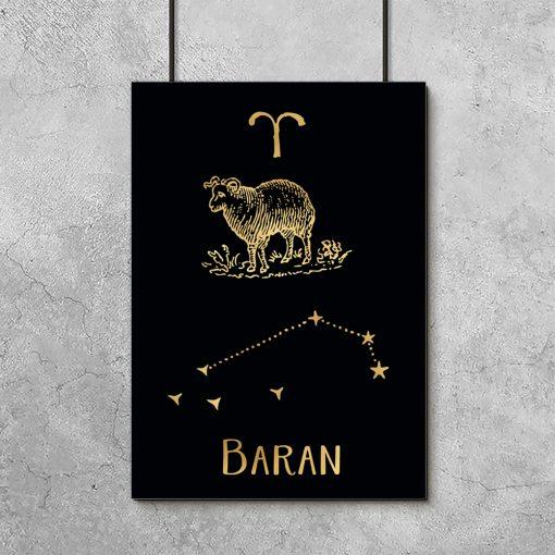 Złoty plakat z motywem barana