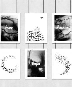 Zestaw czarno-białych plakatów do salonu