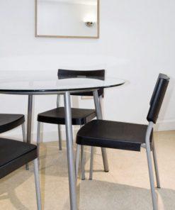 ochronny laminat na szklane okrągłe stoły