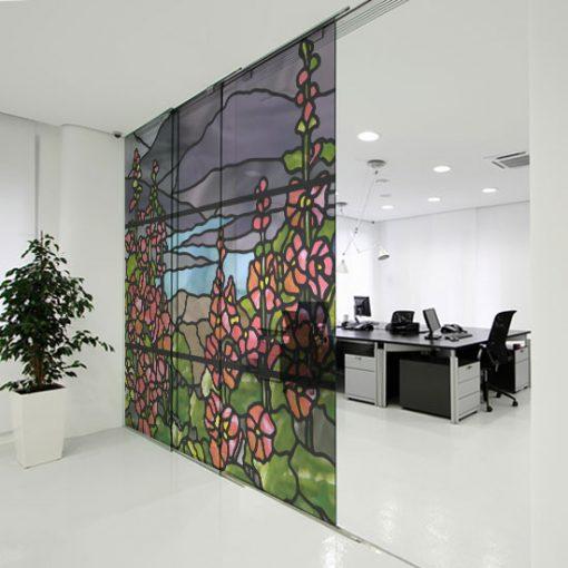 Naklejka witrażowa z motywem kwiatów malwy