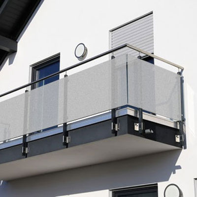 folie z efektem piaskowanego szkła na balkon
