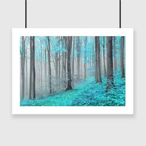 turkusowy plakat z motywem lasu