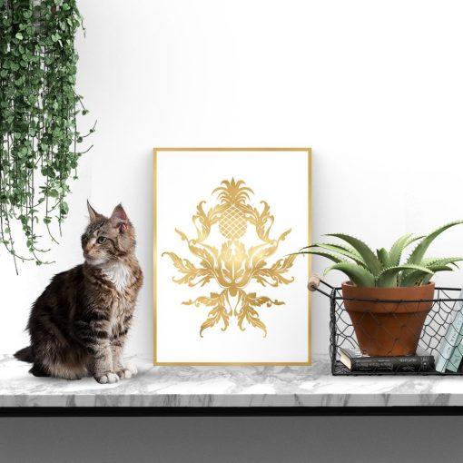 plakat ze złotym ornamentem
