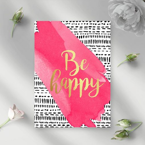 napis be happy jako dekoracja ścienna