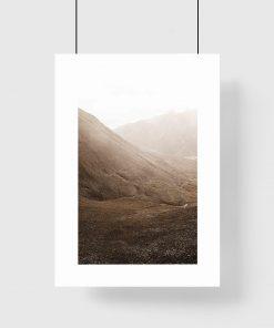 plakat przedstawiający góry