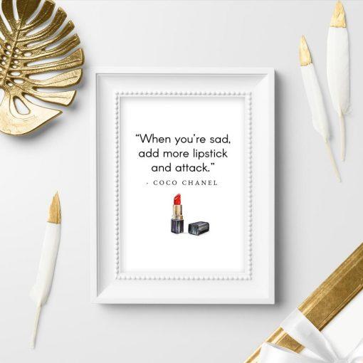 Plakat z cytatem Coco Chanel do przedpokoju
