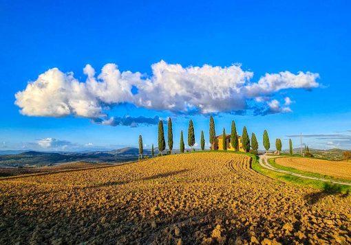 Plakat z willą w Toskanii
