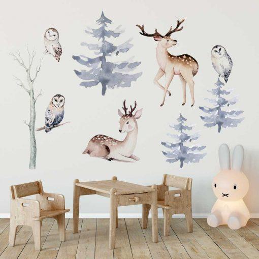 drzewa i sowy na pastelowych naklejkach ściennych dla dzieci