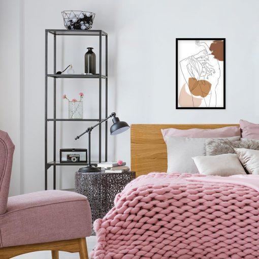 Kobieta z rękami w górze - Plakat do sypialni