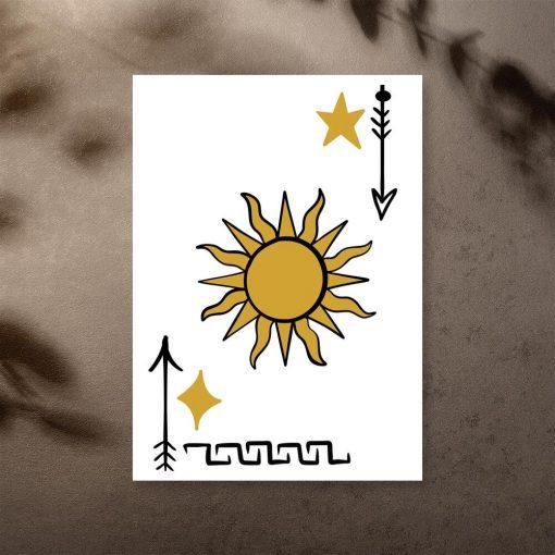Plakat strzały, gwiazdy i słońce