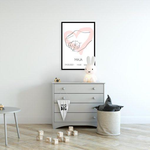 Dziecięcy plakat z różowym serduszkiem line art