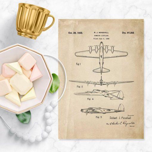 Dekoracja z patentem na bombowiec